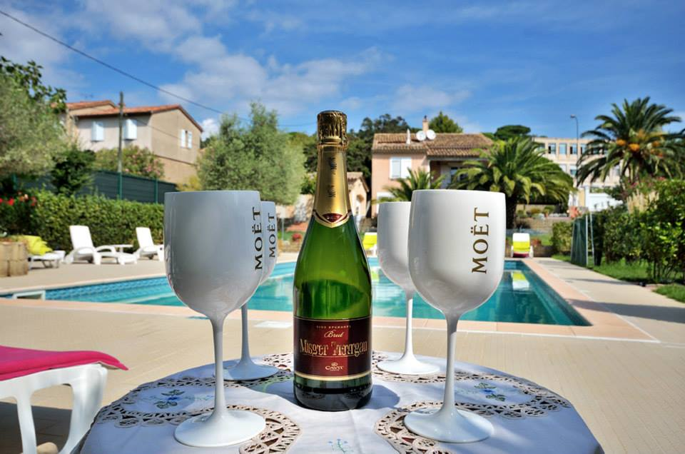 Les 4 Saisons piscina saint tropez hotel lusso vacanze apertivio happy hour