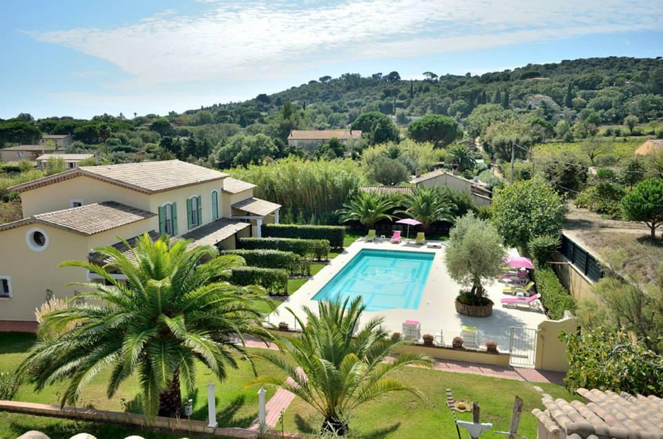 villa-les-4-saisons piscina saint-tropes hotel lusso vacanze parco giardino piscina vista verde natura relax outdoor fresco fresh